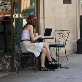 coffee-shop-computer